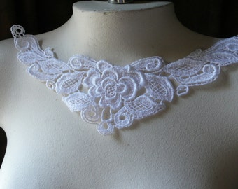 SALE WHITE Lace Applique in Venise Lace for Bridal,  Jewelry or Costume Design WA 103