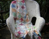 Circle of Flowers - All Cotton Frayed Edge Quilt - Cottage Chic