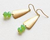 Art Deco Earrings - raw brass triangle and green czech glass beads - drop earrings -  geometric jewelry - gold plated 925 silver hook