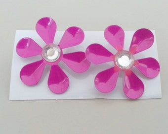 1960s-70s Aluminum Daisy with Rhinestone Earrings in PINK