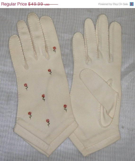 ON SALE Vintage Madeleine Debs Painted Roses Short Gloves 6 Easter