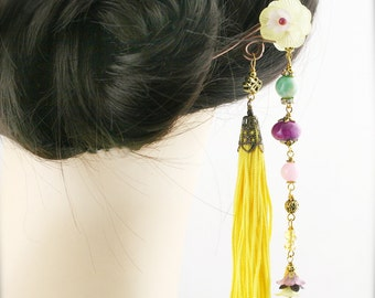 Maiden by the spring hair stick (HS) - quartzite