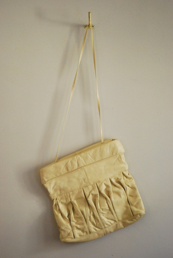 Cream Dream Vintage 80s Leather Slouchy Convertible Bag