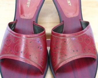 Nine West Red Leather Heart Scroll Pattern Slide Heels Size 8.5 M