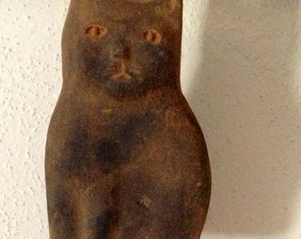 Primitive Blackened Beeswax Cat Ornie #511