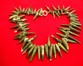 """Incredible statement piece--heavy and high end Vintage jade green stone 19"""" spiky necklace in great condition, appears unworn"""