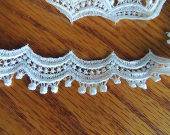 "1 Yard Delicate Ivory Lace in 3/4"" wide"
