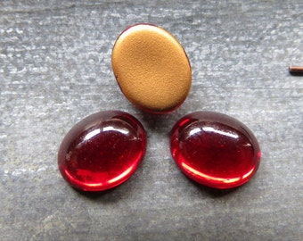 SALE Czech Glass Cabochons . Ruby Ovals, Gold Backed . 5 pieces . 10 by 8 mm