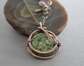 Captured moss green jasper copper pendant on chain with a decorative clasp - Copper necklace - Jasper necklace - Coin shape pendant - NK018