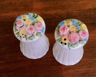 Spring Bouquet Holt-Howard Salt and Pepper Shakers Vintage 1959 Made in Japan Spring Flowers 4100