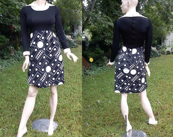 60s Dress /Vintage Dress/ Mad Men/ 60s Costume in Black and White Print with French Cuffs & Large Lapels by Parnes Feinstein Size 4
