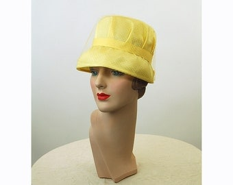 1960s cloche hat, yellow hat, hat with netting, tall hat, Size 21.5