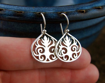 Scroll leaf pendant earrings in sterling silver, curls, sterling silver scroll, sterling silver earrings, tribal earrings, scrollwork