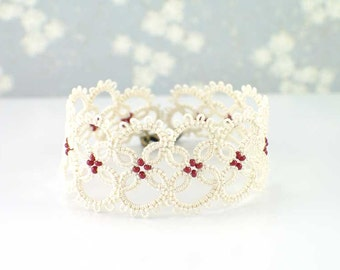 Cream lace bracelet, Victorian lace bracelet, Matte red beaded bracelet, Gift for her, Bridesmaid bracelet, wedding bracelet, tatting lace