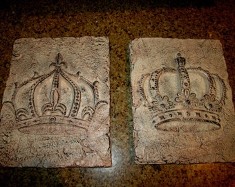Set Of 2 Crown Plaques Free Usa Shipping Wall Decor Old World