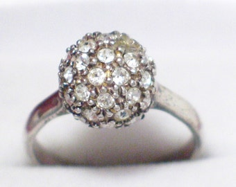 size 8 sterling silver ring dome or snow ball type setting with cz or rhinestone / crystal stones