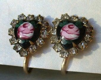 Vintage enamel heart rhinestone earrings - pink roses on black - gold tone - screw back - vintage costume jewelry