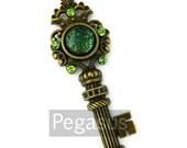 Green Dragon Scale Skeleton Key Pendant (1 Piece) Fantasy Dragon Glass cabochon Jewelry Bronze Pendant for necklace,elven costume,larp