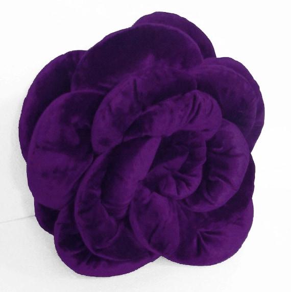 """purple rose velvet filled cushionin the size 18""""x18"""""""