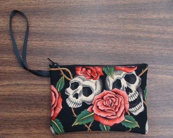 US Handmade Electronic Device Clutch Purse , Pouch , Wristband With Two Skulls Pink Roses Pattern Makeup Bag , New
