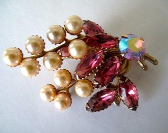 Pink Marquis Rhinestone and Faux Pearl Vintage Brooch