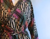 vintage. 70s  Indonesian Batik Wrap Dress / Cotton Rare Dress // M to XL