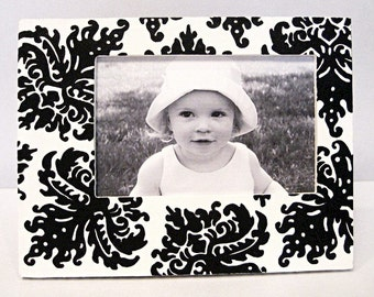 Black and White Damask Hand Painted 4x6 Picture Frame , Modern Home Decor , Nursery Decor ,  Wedding Photo Frames ,
