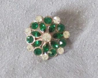 Vintage Rhinestone Brooch - Emerald Green Rhinestone - Green and Clear Rhinestones - Lovely vintage brooch