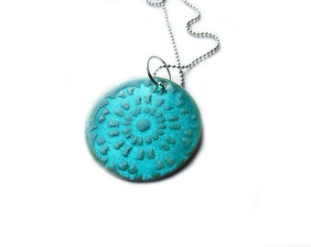 READY TO SHIP: Snowflake Doily Enamel Necklace - Beryl/Mint