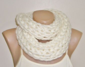 Cream Scarf / Hand Knit Scarf / Infinity Scarf / Banana