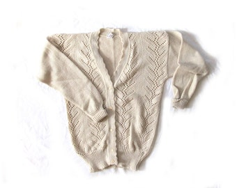 vintage sweater cardigan pointelle 70s womnes clothing oatmeal beige 1970s size small s