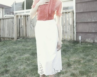 Beautiful White Spring Summer Fashion Vintage 50s Style Skirt With Cut Out Floral Pattern