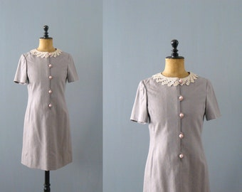 Vintage brocade dress. 1960s crochet wool dress. lilac grey Mod mini dress with crochet peter pan collar