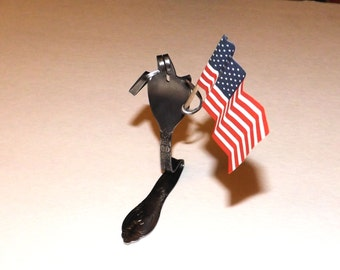 Fork sculpture soldier saluting the US flag, metal art, knick knack, home decor, collectibles, sculpture