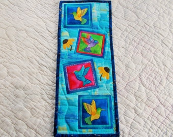 Humming birds and flowers Quilted Wall Hanging/applique small quilt