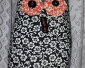 Prim Stitchery Halloween Owl with Vintage  Buttons ~ HHCOFG
