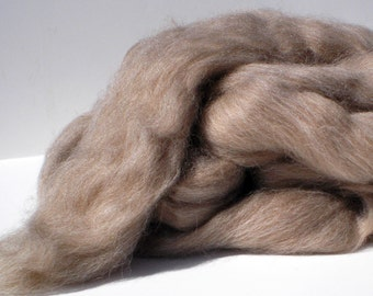 Fawn Shetland Combed Top for Spinning or Felting  4 oz.