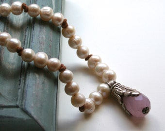 Pink Quartz Necklace / Freshwater Pearl Necklace / Elegant Romantic Necklace / Wedding Bridal Necklace / Earthy Necklace / Leather Necklace