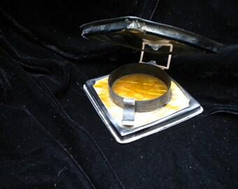 Unique mirror contraption ?compact? Very old (FFs5027)
