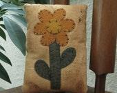 Primitive Flower Bowl Filler Ornie