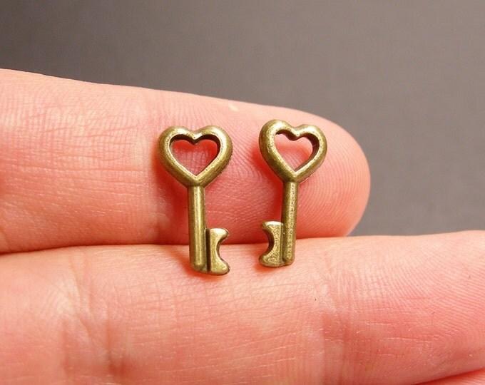 Heart Key charms - 24 pcs - brass - antique bronze small heart key - 16mm - BAZ100