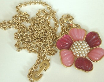 Vintage Gold Pearl and Lucite Flower Necklace