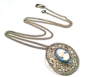 SARAH COV Cameo Lace Blue White Pendant Pin Brooch Silver Chain Necklace Authentic Vintage Made in Germany artedellamoda talkingfashion
