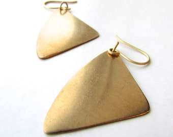Geometric brass rounded triangle drop earrings