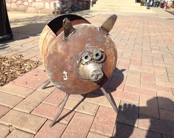 Flower planter pig recycled garden art, yard art