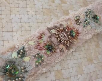 Cream/Sage Lace Belt