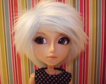 Baby blue faux fur wig for Pullip / Taeyang
