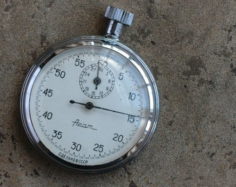 Vintage Soviet Russia stopwatch chronometer -- Agat -- NON WORKING