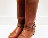 Vintage Tan Brown Camel Leather Dexter Equestrian Flat Boots Buckle Below the Knee Womens Size 7.5 Size 8 Size 8.5