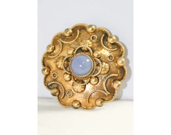 Brassy 1940s Florentine Pin - Made In Italy - Spring Goldtone 1940s Brooch - 800 Fine Silver - Italian Medallion Disk Round - 40219
